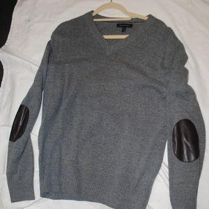 Banana Republic Heather Gray V-Neck Sweater Size L